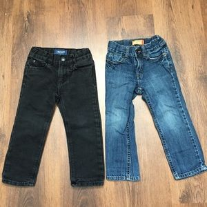 4/30$ 3T old navy jeans blue and black jeans
